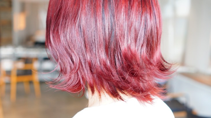 秋は暖色!ブリーチ無しで綺麗に赤く染めるファイバープレックスのピラミンゴカラー、レッド