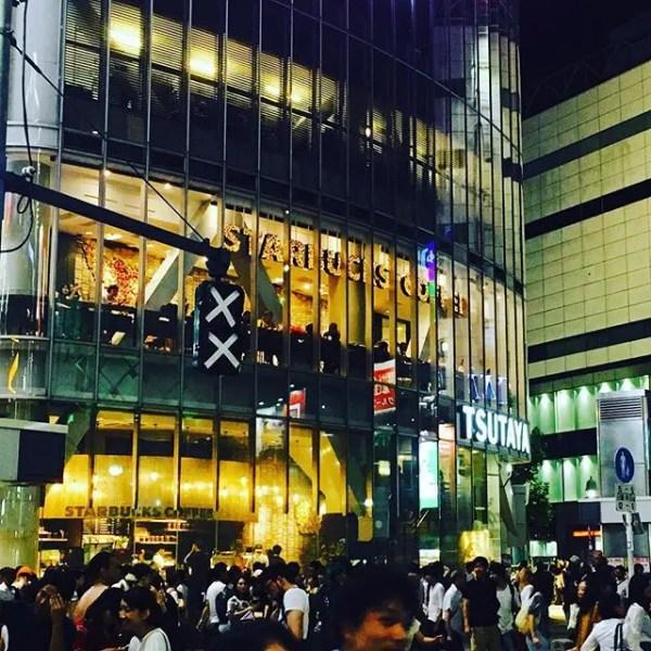 第一回渋谷盆踊り大会。夏っぽい雰囲気の写真もいいけど、信号機がなんとなく可愛くてつい。#渋谷盆踊り大会 #shibuya#shibuyacrossing (by Instagram)