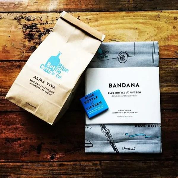 15周年の復刻ブレンドALMA VIVAとバンダナ#bluebottlecoffee #almaviva #anniversaryblend #coffee #coffeetime #cafe #coffeebreak #ブルーボトルコーヒー (by Instagram)