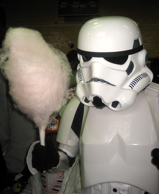 2008.10_NYC_Stormtrooper_Cotton_Candy_1