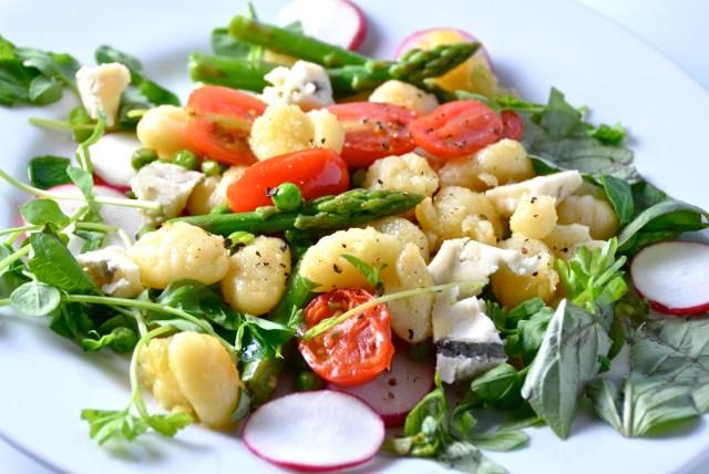 Pan-fried Gnocchi With Peas, Asparagus And Gorgonzola