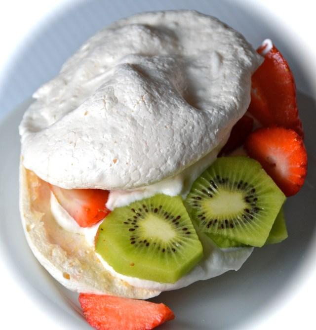 Meringue Gâteau With Kiwi And Strawberry