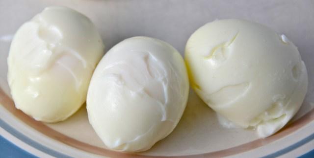 http://www.theburlapbag.com/2012/03/make-hard-boiled-eggs-in-the-oven/