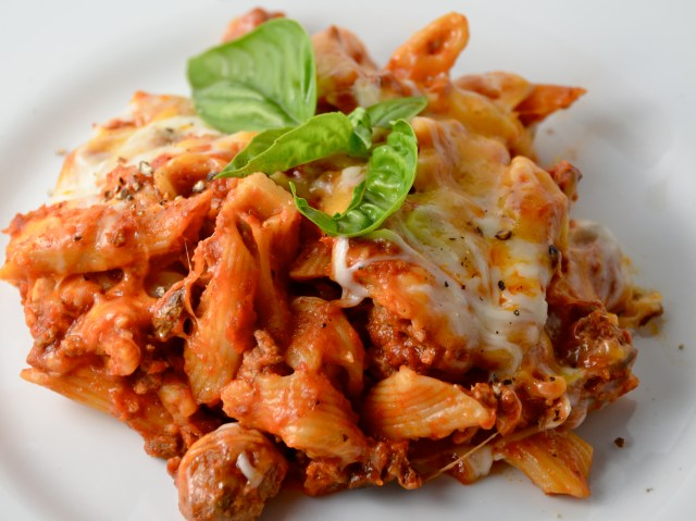 Slow Cooker Meat-Lover's Pizza Pasta Hot Dish