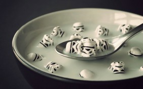 Stormtrooper-soup-wallpaper-282x177
