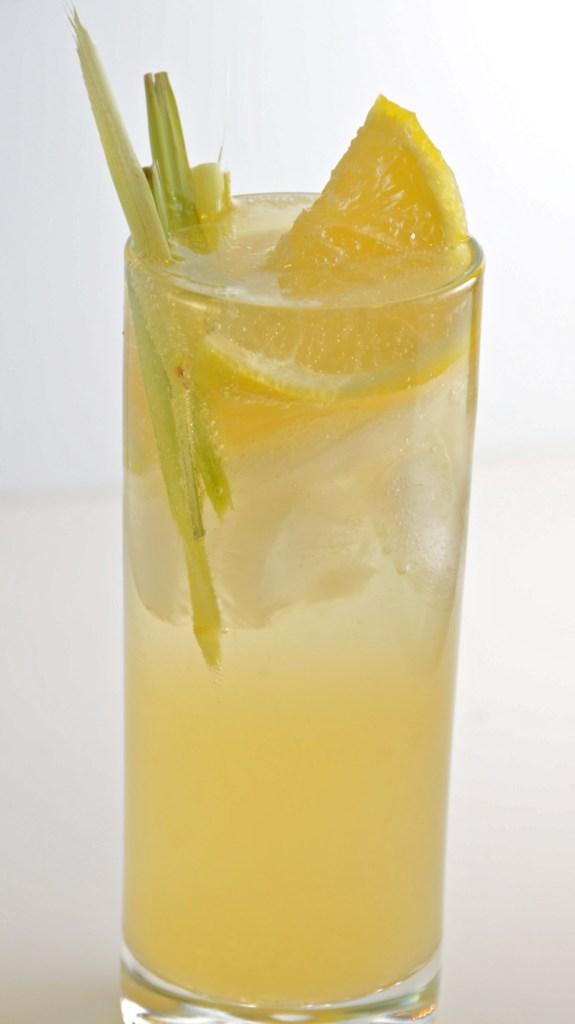 Bombay Sapphire East Lemongrass Collins