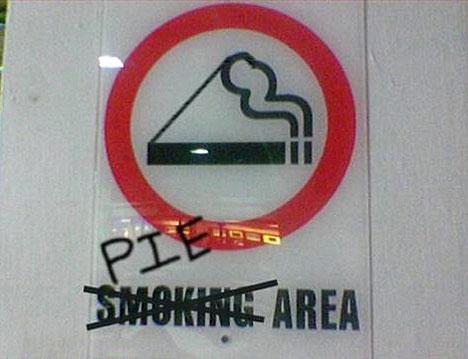 funny-smoking-pie-sign