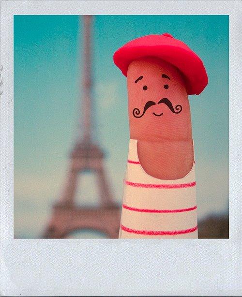 finger-funny-moustache-paris-Favim.com-272447