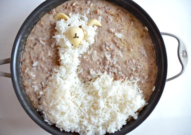Llama Rice With Hamburger Gravy