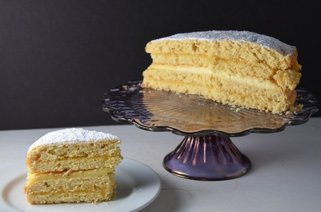 Clotted Cream Filled Lemon Cake
