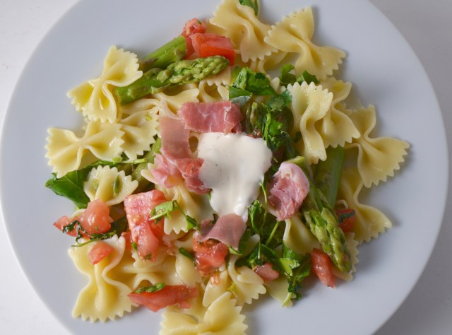 Pasta Butterflies With Asparagus And Prosciutto