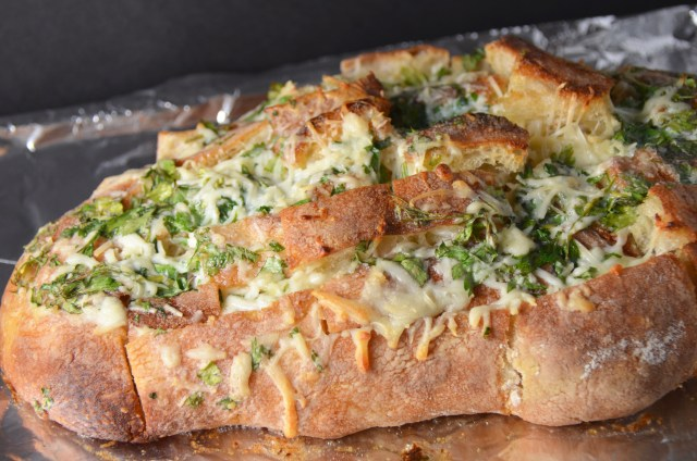 Cheesy Garlic Herb Pull Apart Bread