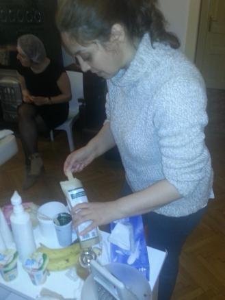 In luna martie a acestui an la sediul Perfectionare Cosmeticiene, Irina Gardea m-a incurajat sa inventez mai multe mijloace de transport pentru colega mea Spirulina :)