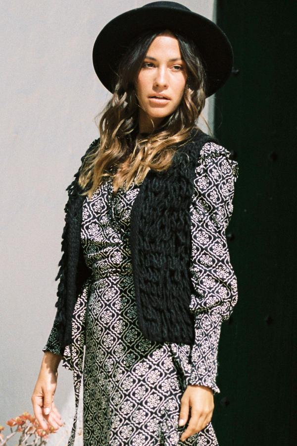 Knitted Fringe Gilet - Black