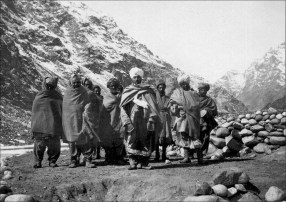 Local population of Northern Pakistan - Photo taken by Filippo De Filippi (1913)