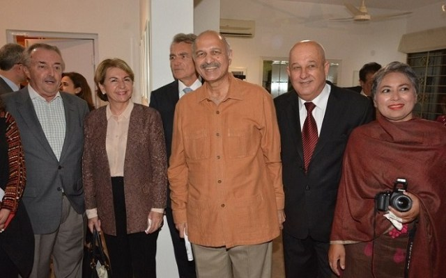 Argentinian Ambassador, Rodolfo Martin-Saravia  (extreme left) and Senator Mushahid Hussain (middle) join Cuban Ambassador Jesús Zenén Buergo (2nd right) to celebrate 60th anniversary of Pakistan and Cuba diplomatic ties.