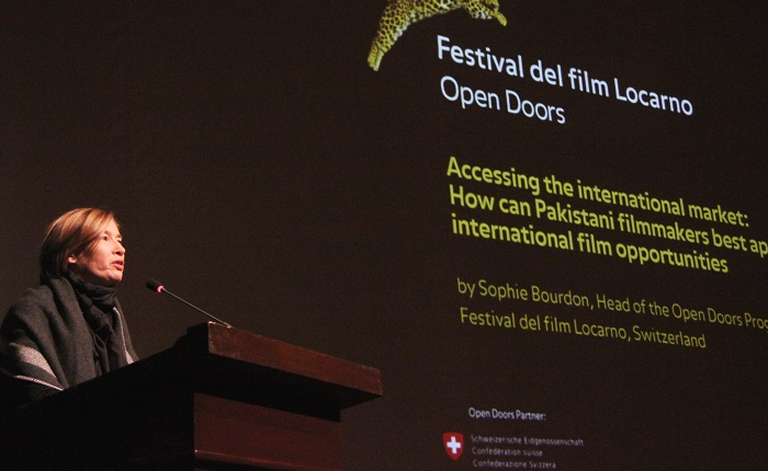 Sophia Bourdan, head of the Open Doors Hub, explaining Filmmaking techniques