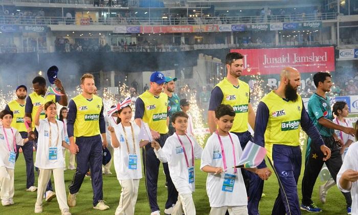 Pak celebrates world XI arrival