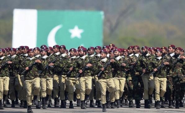 Pak Day 2018 military