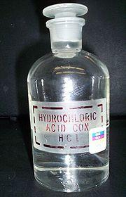 180px-Hydrochloric_acid_05