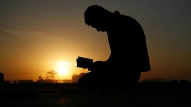Photo of Kisah Seorang Pengangguran Yang Terus Berdoa