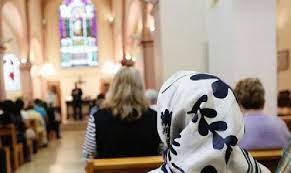 Muslim Masuk Gereja (II)