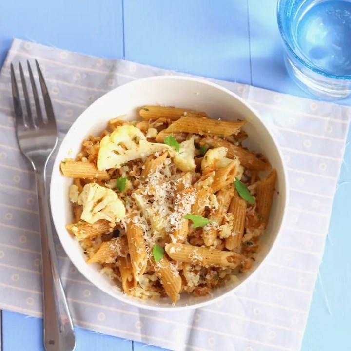 Roasted Cauliflower Pasta with Bread Crumbs