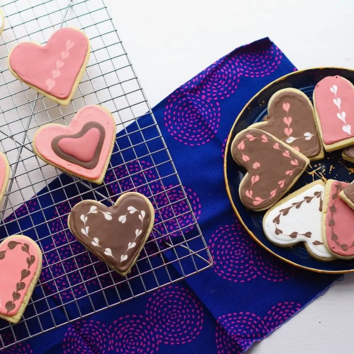 Vanilla Sugar Cookies with Chocolate Royal Icing