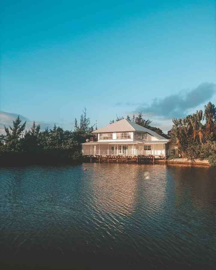 Britannia, Grand Cayman