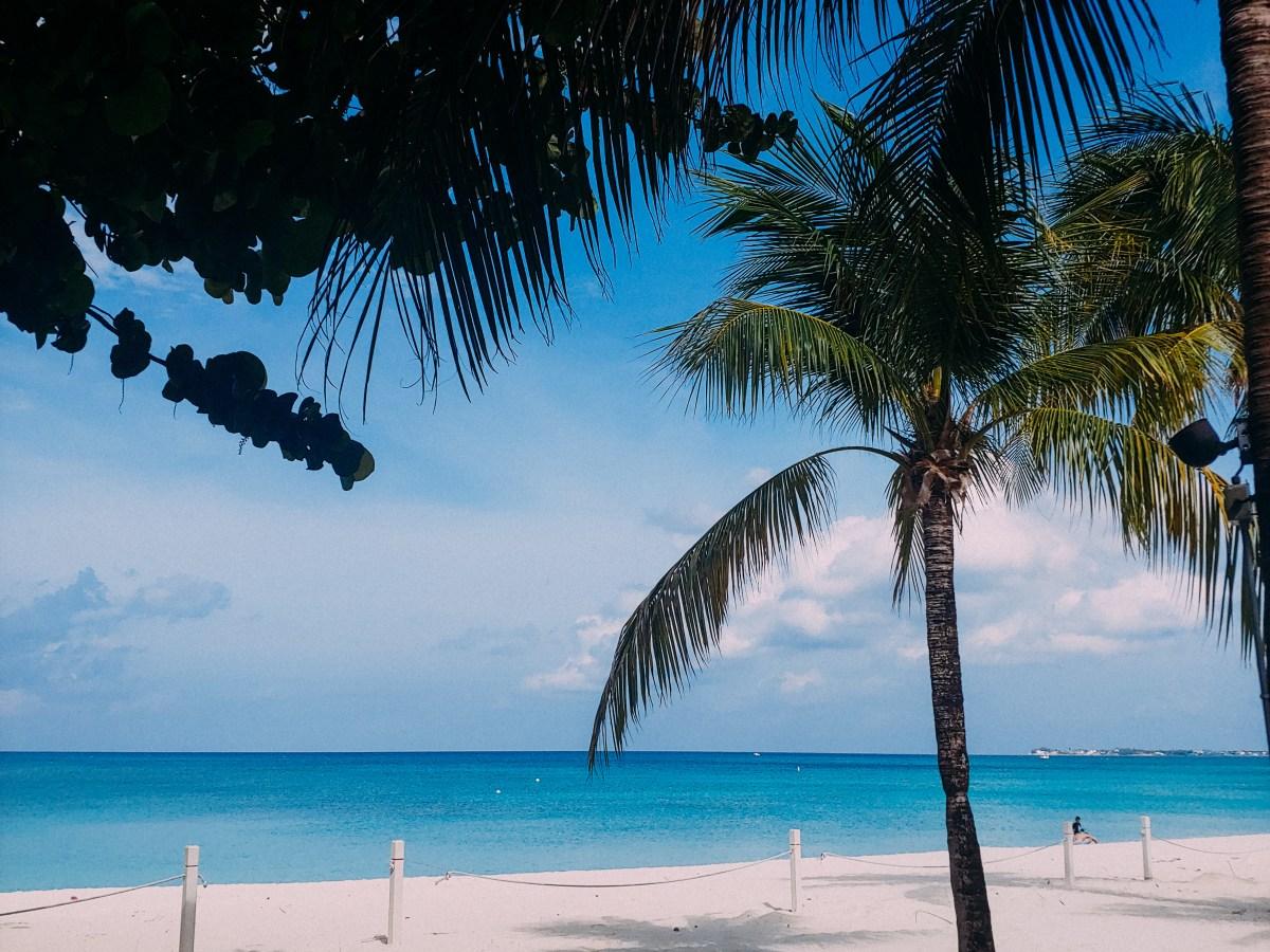 grand cayman expat life