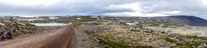 islande à vélo,sur la route de fjallfoss en 2015