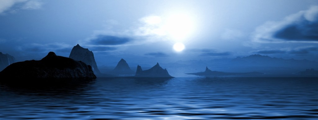 Picture: Moonlit eerie, misty bay