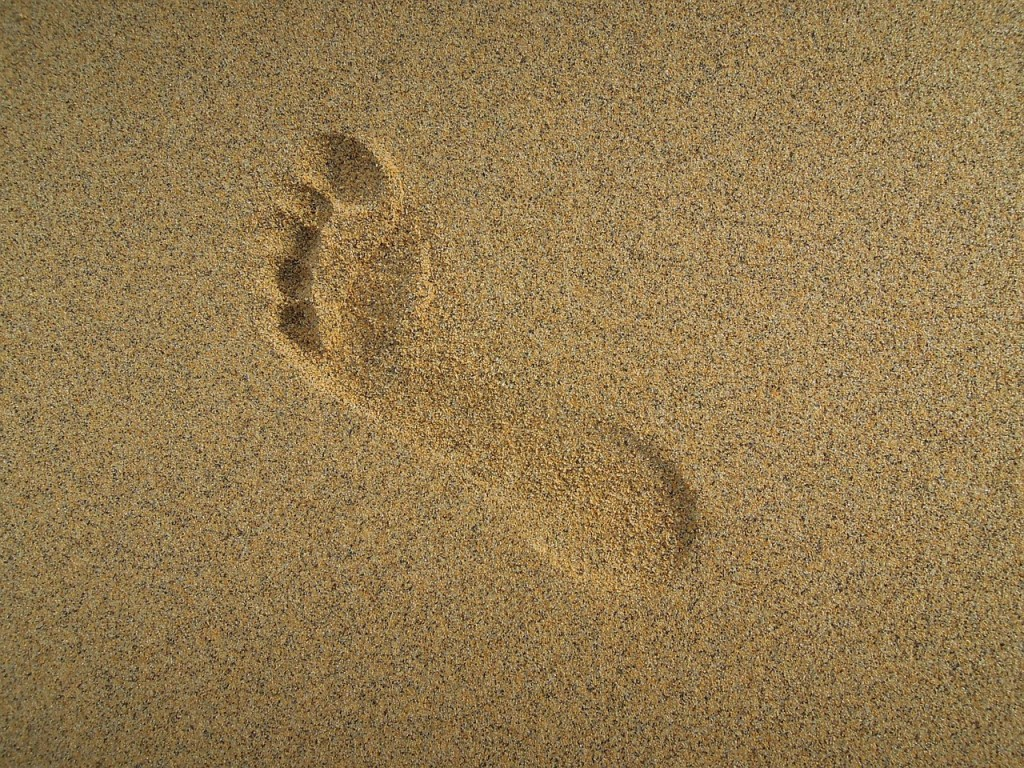 Photo: Footprint in sand