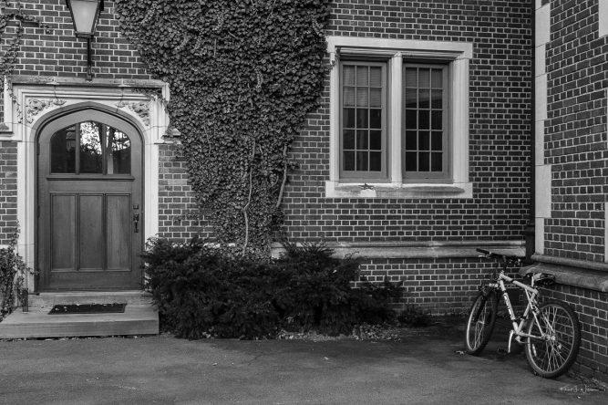 Outside 1879 Hall. — FujiFilm X-T2 + Fujifilm XF16-55mmF2.8 R LM WR@ 27.4 mm, f/5.6, ISO1600, © 2018 Khürt L. Williams, CC BY-NC-SA