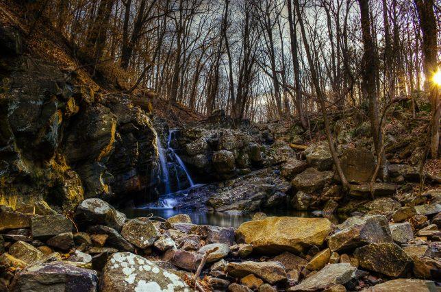 Kugler Woods Waterfall, Stockton — Nikon D5100 + Nikon 18-55 mm f/3.5-5.6 — (18 mm, f/8.0, ISO100)