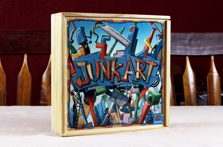 Review Junk Art