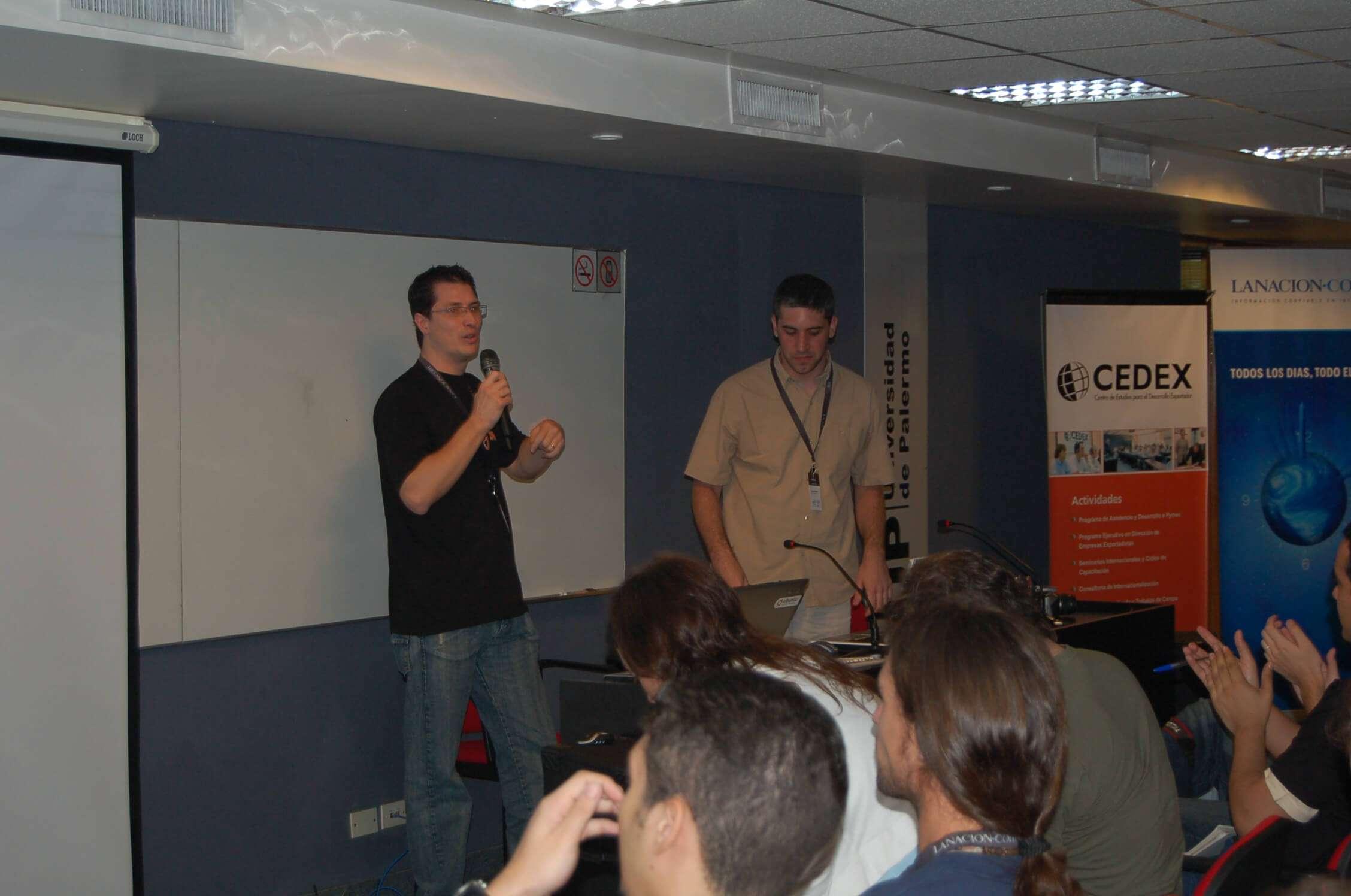 Ismael Briasco y Daniel Nader en la charla Monetizando Blogs