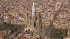 Visualization-of-the-Completed-Sagrada-in-20266-640x358