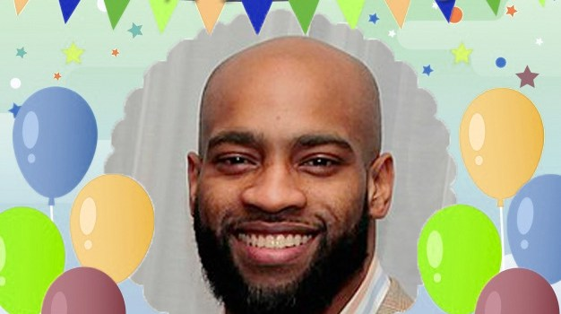 January 26 – Vince Carter gets celebrated by a child admirer