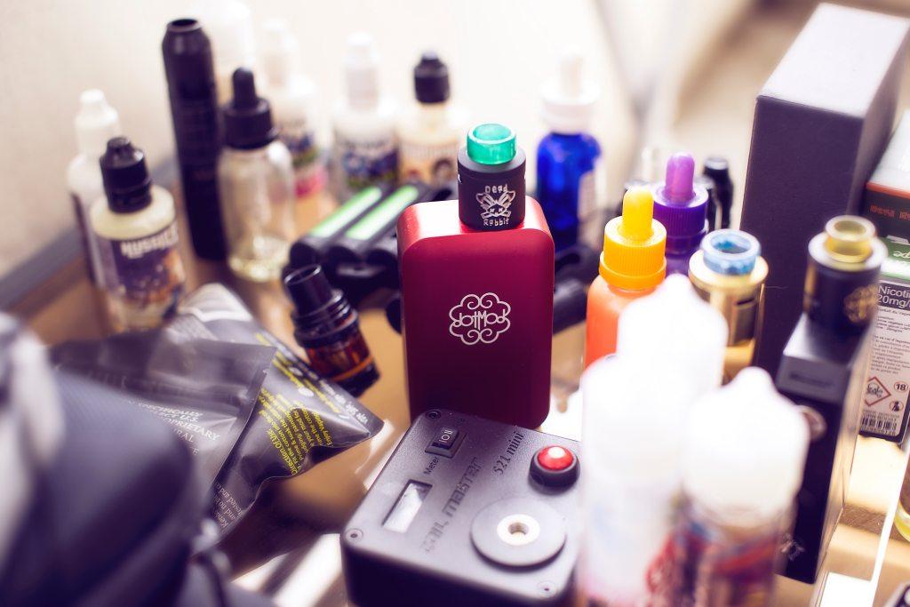 vaping cbd, Vaping CBD? Here are 6 Flavourless E-Liquids to Try, ISMOKE