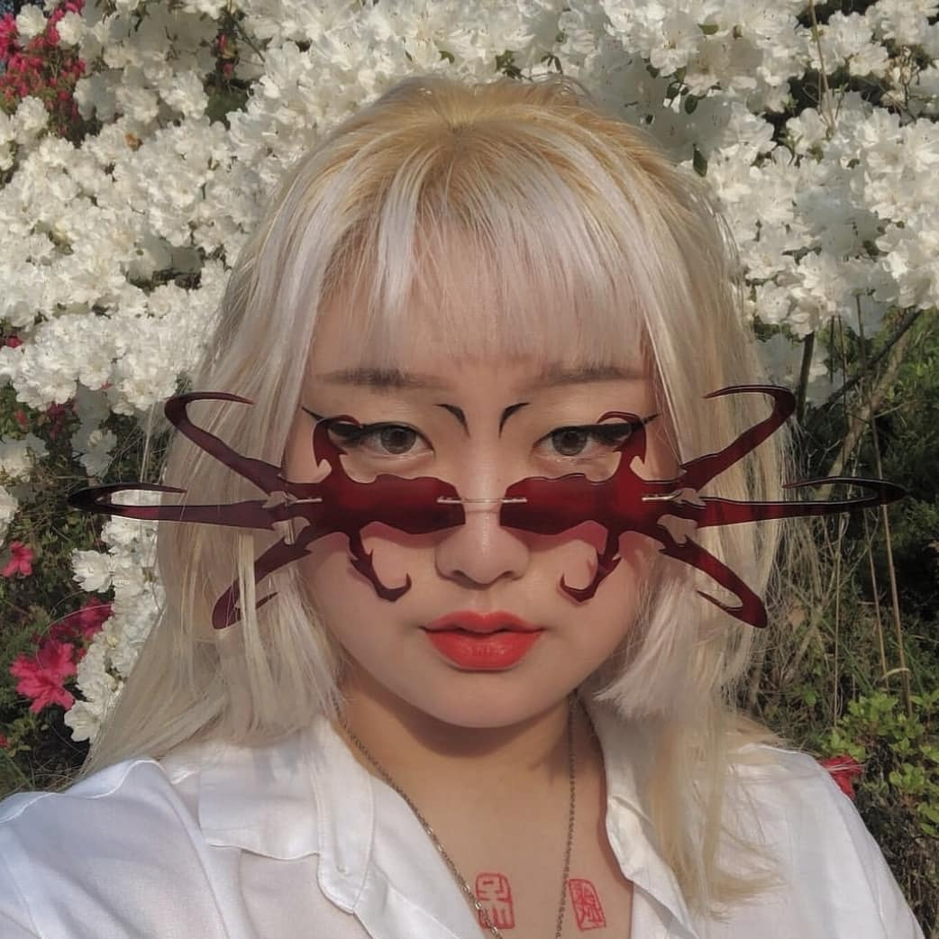 Godsomware, la firma indie coreana que hace lentes para cyberpunks del futuro