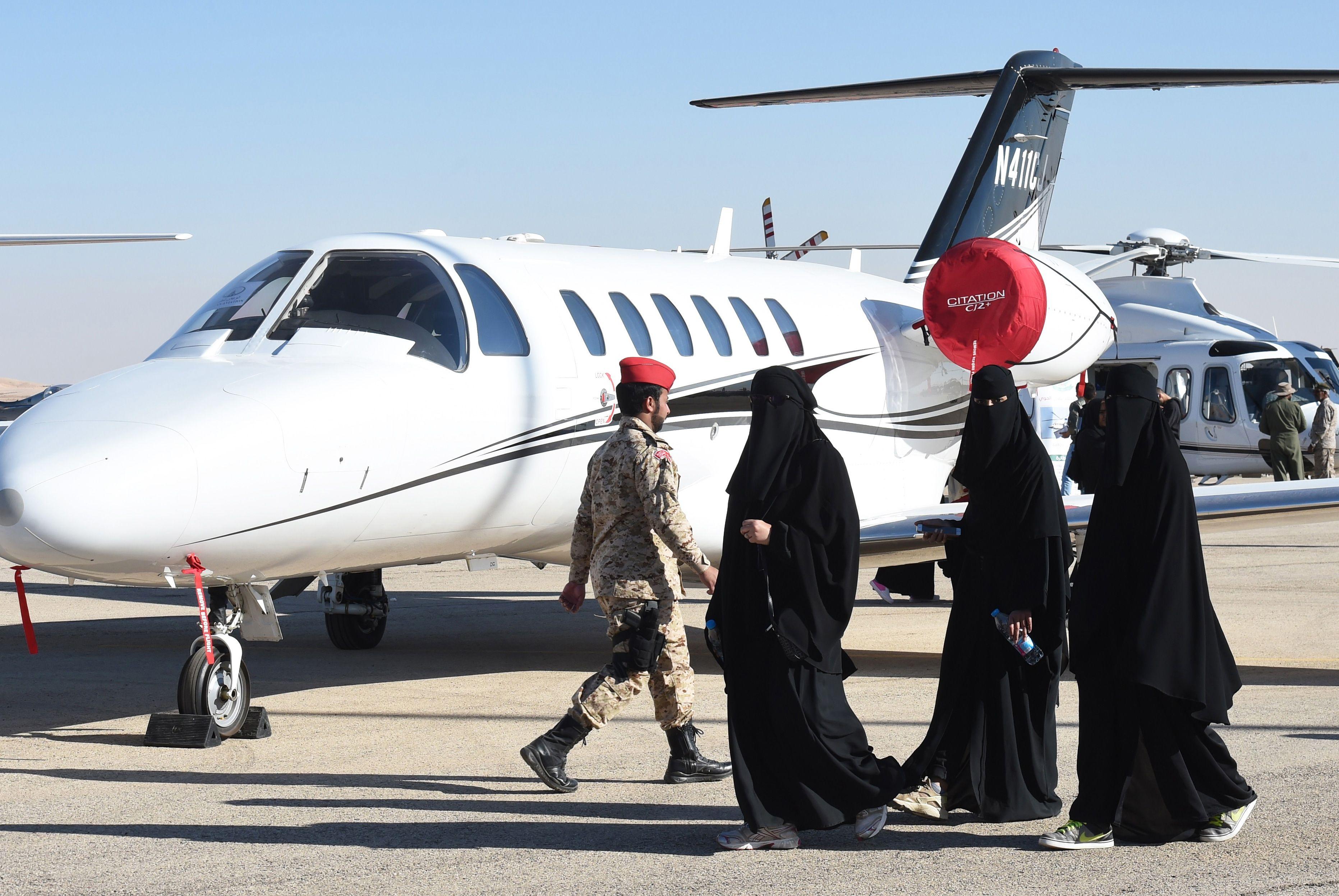 Arabia Saudita: Nueva resolución permitirá que las mujeres tengan pasaportes y viajen solas