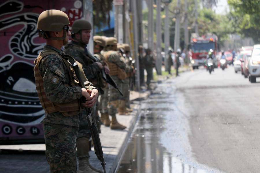 Chile: Soldado del Ejército es detenido por negarse a participar en el estado de emergencia