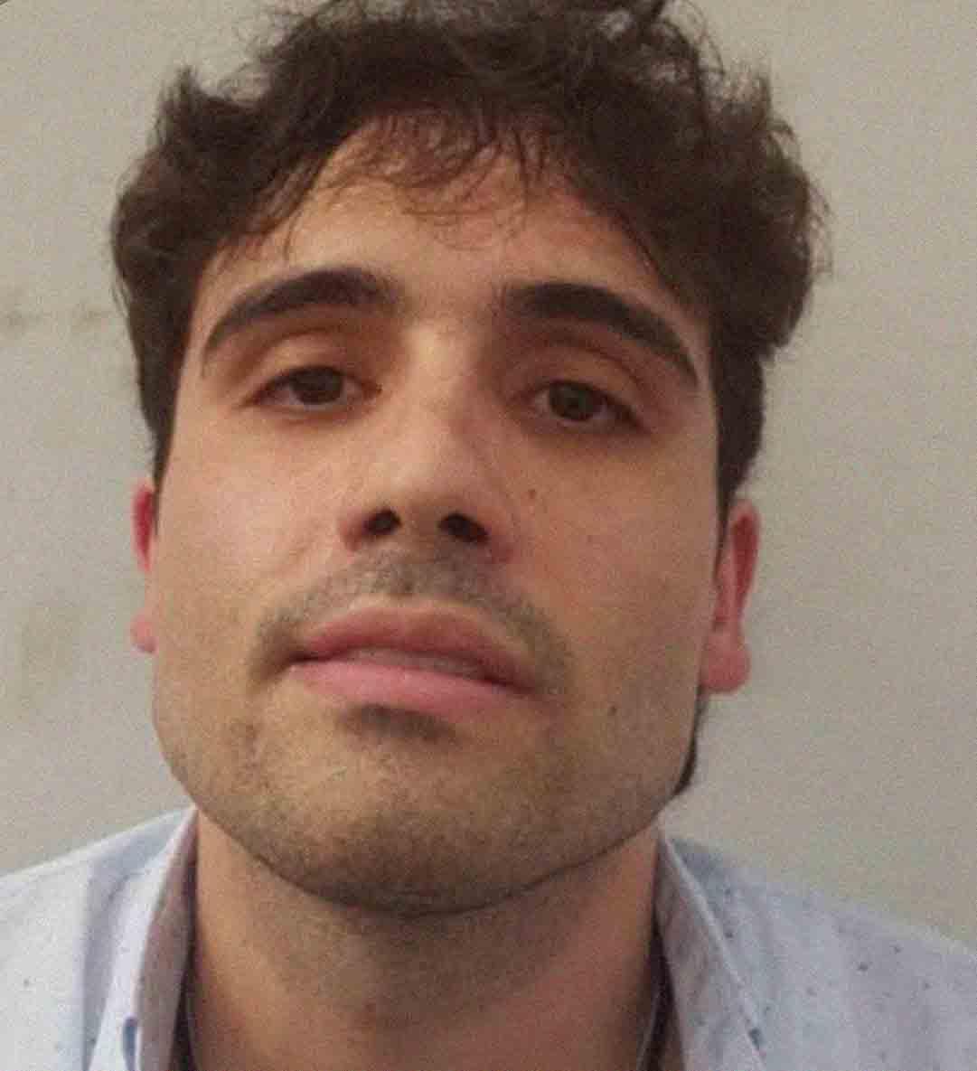 """Buscan al hijo de """"El Chapo"""" Guzmán en Sinaloa luego de que lo soltaran tras un intento fallido de arresto"""