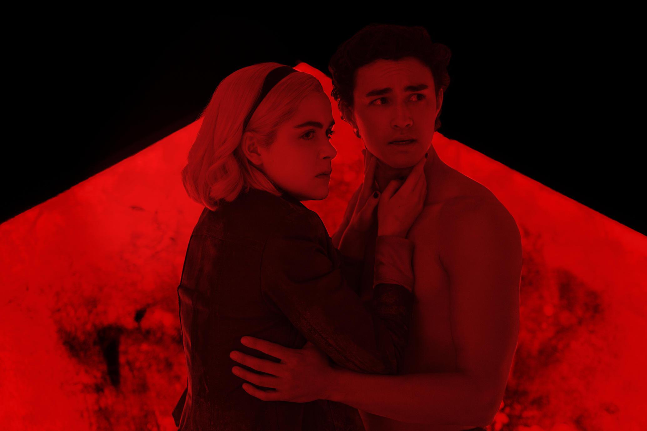 """""""Chilling Adventures of Sabrina"""" anuncia su regreso con un video musical desde el infierno"""