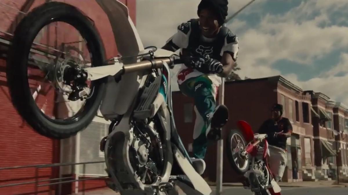 """""""Charm City Kings"""": Un adolescente se debate entre el bien y el mal en este próximo favorito de Sundance"""