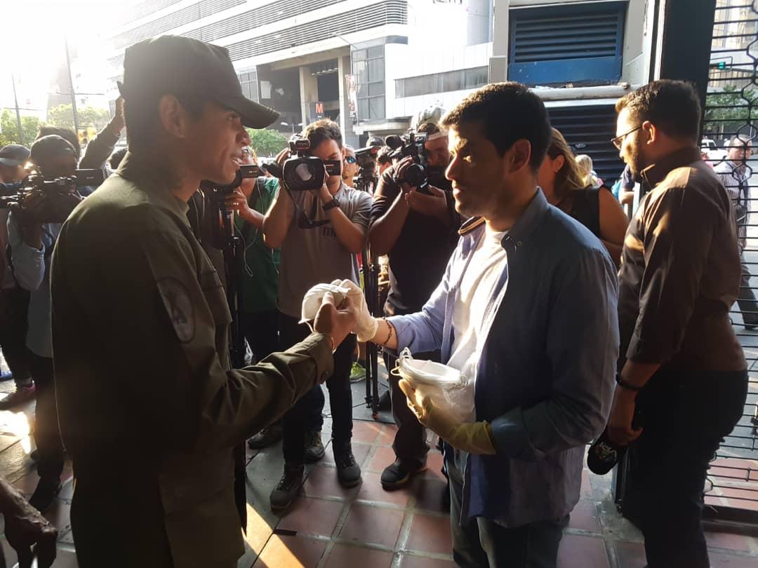 Venezuela: Gobierno obliga a usar tapabocas en el Metro de Caracas tras llegada del coronavirus al país