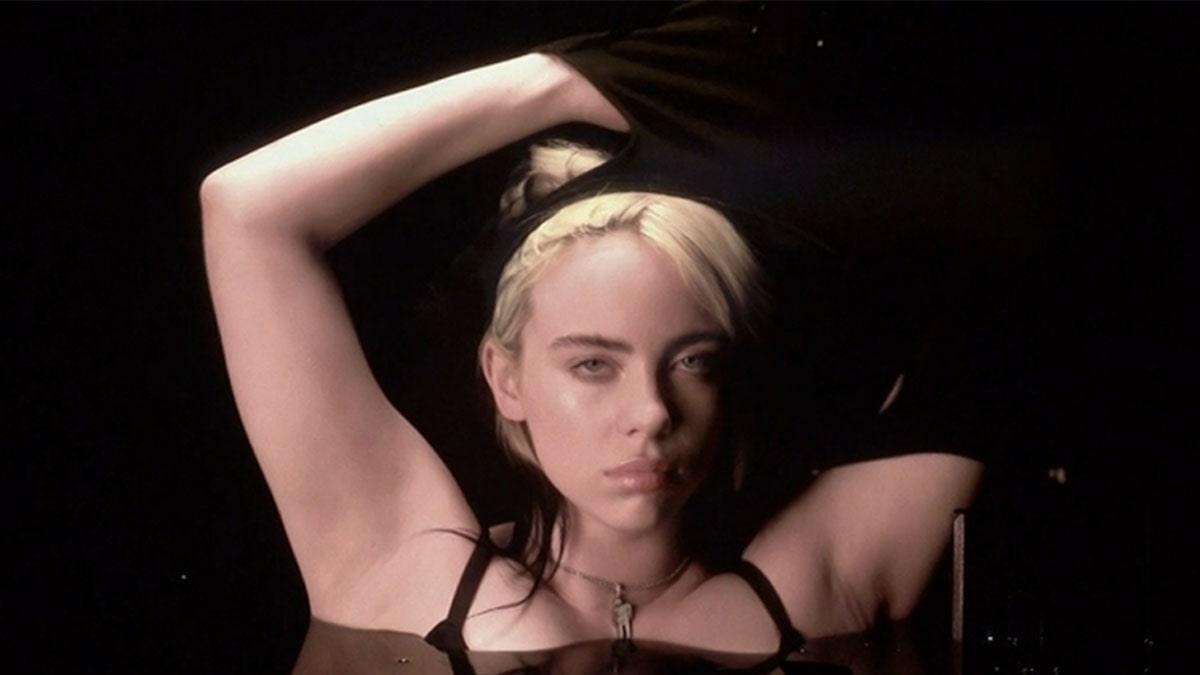"""Billie Eilish ofrece un poderoso mensaje contra el body shaming: """"Si me quito las capas, soy una zorra"""""""