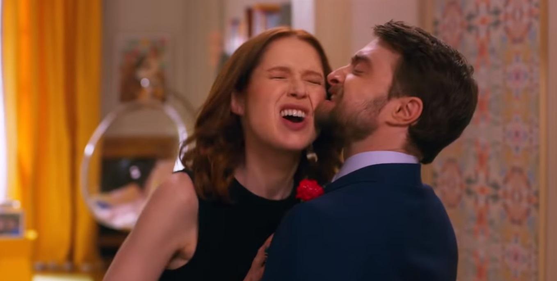 """""""Unbreakable Kimmy Schmidt"""": Daniel Radcliffe y Kimmy se casan en en este alucinante especial interactivo"""