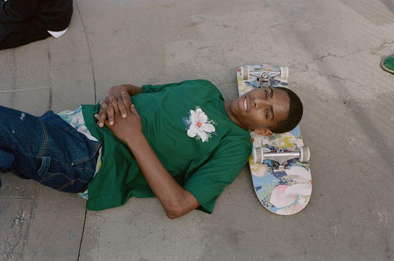 Kenzo y Vans unen fuerzas para darle color al skateboarding en su nueva colección